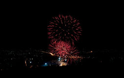 Feux d'artifice sur la ville Photos libres de droits