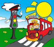 Feux de signalisation avec l'autobus scolaire Photo stock
