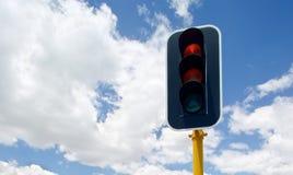 Feux de signalisation avec rouge, jaune et vert photos stock