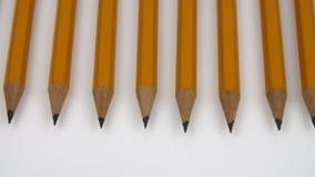 Few Żółci ołówki na bielu zdjęcie wideo