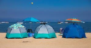 Few namioty Na plaży w Jeziornym Tahoe obraz stock
