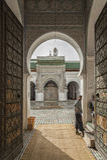 FEZ MAROCKO - FEBRUARI 20, 2017: Oidentifierad man i medinaen av Fez Royaltyfri Foto