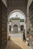 FEZ, MAROKKO - 20. FEBRUAR 2017: Nicht identifizierter Mann im Medina von Fez Lizenzfreies Stockfoto