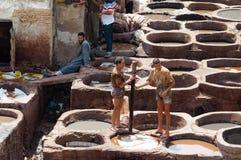 Fez, Fez-Meknès/Morroco - 08162011: Tan-huis van Fez, met het werk Stock Foto's