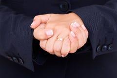 Öffentlichkeitssprecher, der Handzeichen macht Lizenzfreie Stockfotos