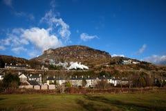 Ffestiniog y tren del vapor de la montaña Galés Foto de archivo