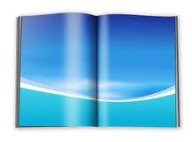 Öffnen Sie Buch mit leeren Seiten mit einem Papier Stockfotografie