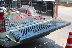 Öffnen Sie die Heckklappe an einem Kleinlastwagen Stockfotografie
