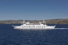 Fähre auf adriatischem Meer Stockbilder