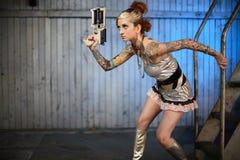 fi枪sci妇女 免版税图库摄影