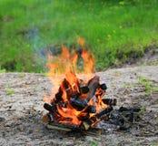 fiamma calda di fuoco di accampamento Fotografia Stock Libera da Diritti