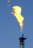 Fiamma dall'impianto offshore Immagini Stock