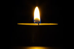 Fiamma di candela. fotografie stock
