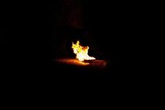 Fiamme brucianti su un fondo nero Fotografia Stock Libera da Diritti