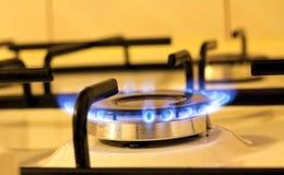 fiamme di una stufa di cucina Immagini Stock