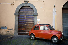 Fiat 500 in Orvieto Stockbilder