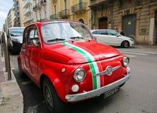 Fiat 500 in Bari, Italië Royalty-vrije Stock Foto's