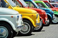 Fiat 500 bij de statische verzameling Oktoberfest in Victory Square in Genua Royalty-vrije Stock Foto