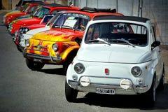 Fiat 500 bij de statische verzameling Oktoberfest in Victory Square in Genua Stock Afbeeldingen