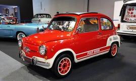 Fiat 600D es un posterior-motor, coche refrigerado por agua de la ciudad, manufacturado y comercializado por Fiat, fotografía de archivo libre de regalías