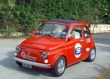 Fiat 1974 500 dans l'action de course Photographie stock