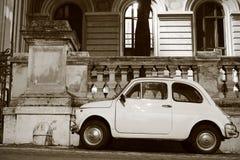 Fiat 500 i Rome Royaltyfri Fotografi