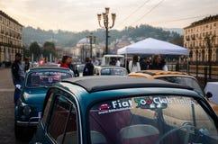 Fiat 500 klasyka samochodu wiec w Turyn Fotografia Royalty Free