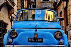 Fiat 500 a Roma Fotografia Stock Libera da Diritti
