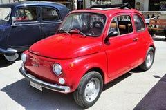 Fiat 500 rood royalty-vrije stock fotografie