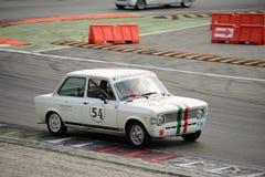 Fiat 128 samlar på Monza Fotografering för Bildbyråer