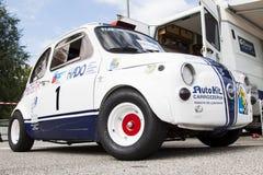 Fiat 500 uitrustingsauto Royalty-vrije Stock Foto's