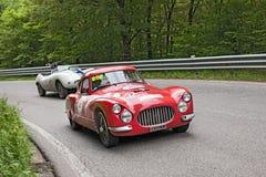 Fiat 8V (1953) samlar in Mille Miglia 2013 Royaltyfri Bild