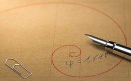 Fibonacci, Boska proporcja i Złoty współczynnik, Mathematics Conce royalty ilustracja