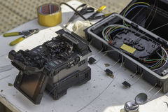 Fibra - equipamento de emenda ótico na rua 2 fotografia de stock