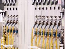 Fibras óticas com conectores de SC/LC Prestador de serviços do Internet imagens de stock
