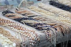 Ficelles des perles d'eau douce cultivées de luxe Photo libre de droits