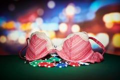 Fichas de póker con la ropa interior Imagen de archivo libre de regalías
