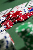 Fichas de póker de la pila Foto de archivo libre de regalías