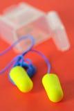 Fiches d'oreille d'isolement photo libre de droits
