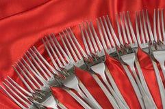Fiches de Tableau et fond rouge. Photographie stock libre de droits