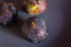 Fichi freschi nella macro fucilazione Foto di frutta Immagine Stock