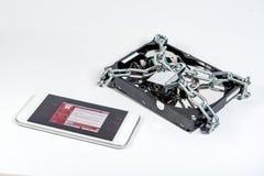 Fichier-disque dur verrouillé avec l'atta de cyber de ransomware d'exposition de smartphone Image libre de droits
