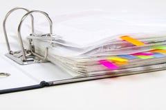 Fichiers dans les dépliants de bureau Photo stock
