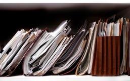 Fichiers sur l'étagère Photos libres de droits