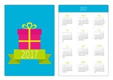 Fick- kalender 2017 år Veckan startar söndag Vertikal riktningsmall för plan design band för bowaskgåva present B Fotografering för Bildbyråer