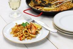 Fideua, paella da massa, culinária espanhola Imagens de Stock