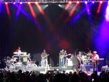 Fidschi und J-Boog singt auf Stadium nachts Lizenzfreies Stockbild