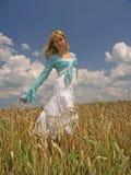 field девушка Стоковая Фотография