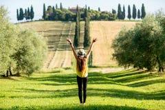 field женщина пшеницы стоковые изображения