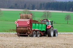 field трактор стоковые фото